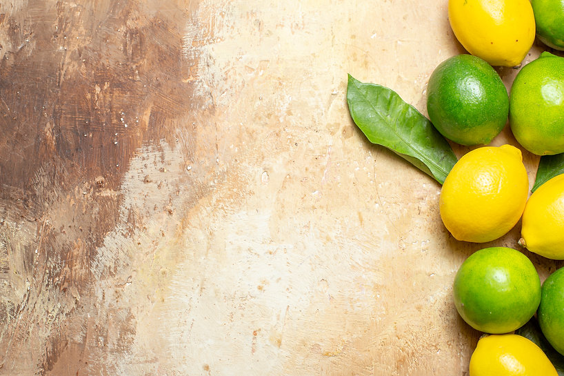 horizontal-view-of-fresh-natural-lemons-