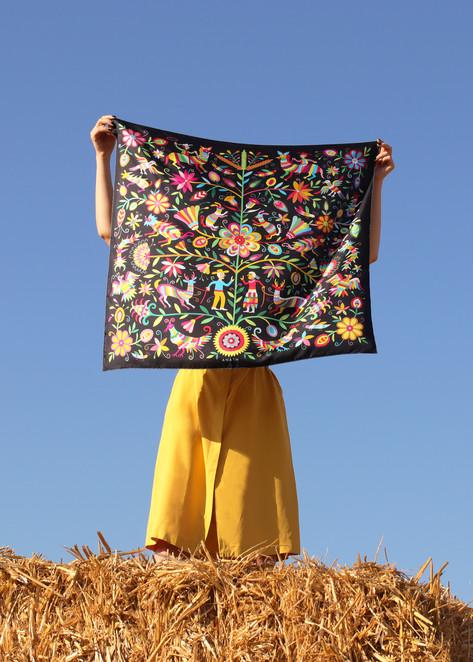 La tribù arlequin, anath silk fashion, 100% silk, hand rolled edges, made in italy, accessoire, open, silk twill, black, multicolor,