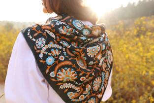 Arabesque iseo, anath silk fashion, 100% silk, silk satin, made in Italy, hand rolled edges, flowers, design, grey, black,  multicolor