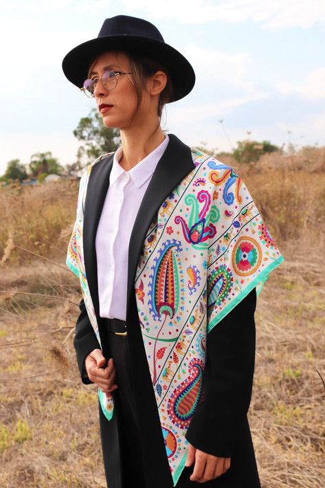 Suzani, anath silk fashion, 100% silk, made in Italy, silk twill, hand rolled edges, white, multicolor,