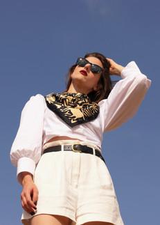 noé gold, anath silk fashion, silk scarf, gold, black, made in italy, wraped around the neck, 100% silk