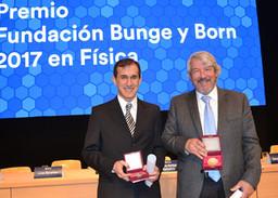 Carlos Balseiro, ganador del premio Bunge y Born 2017 en Física
