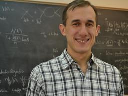 Dr. Gonzalo Torroba, ganador del Premio Estímulo a Jóvenes Científicos en Física 2017