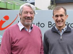 El director y un docente del Balseiro fueron premiados por la Fundación Bunge y Born