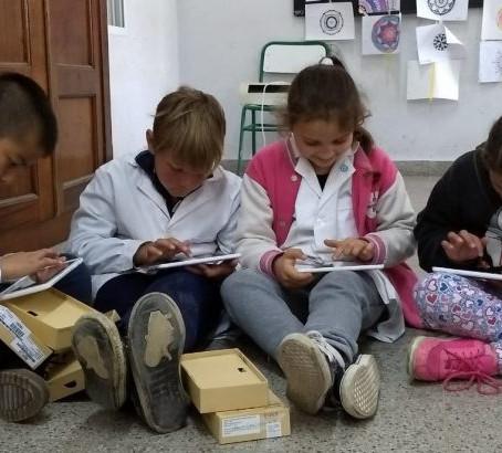 80 escuelas rurales de Entre Ríos implementan Vektor