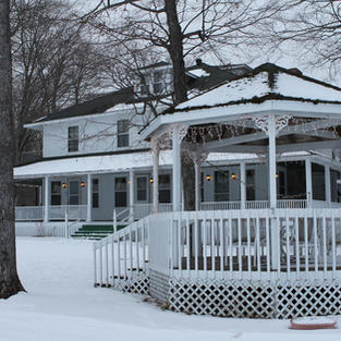 Lodging, Dining and Dog Sledding Packages