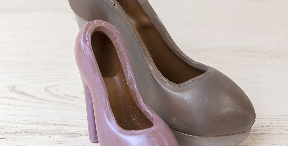 Hollow milk chocolate high heel shoe with luster dust
