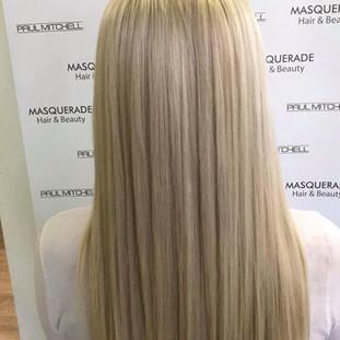 blonde Ikon