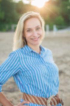 Melissa Headshots 2019-44FB.jpg
