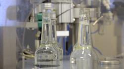 Birch sap - inserting bottle cap