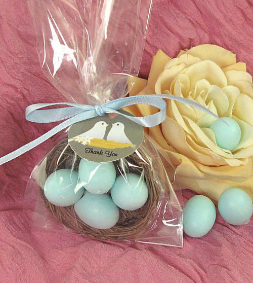 Wedding favours with eggs