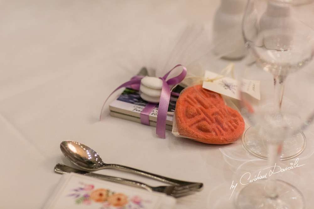 Double happiness cookies as favours
