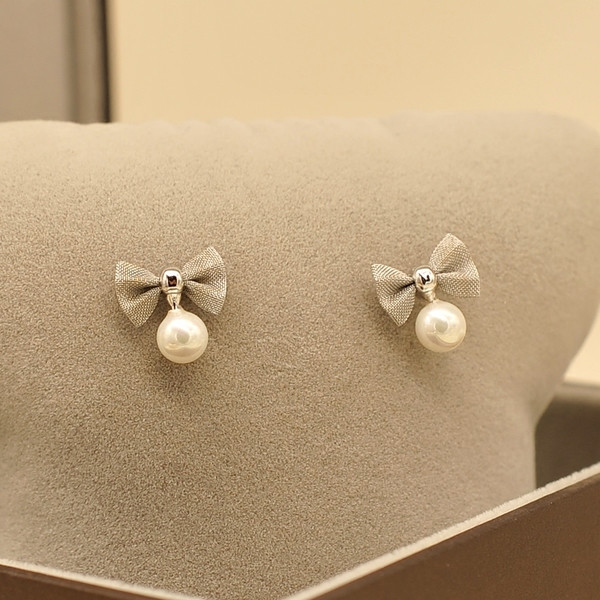 Bow earrings for bridesmaids