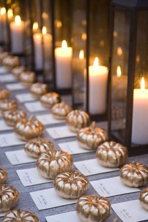 Pumpkins as table number decorations