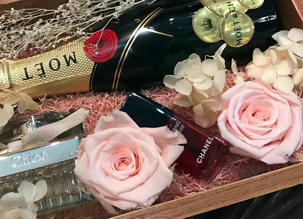 Closeup of bridesmaid gift box