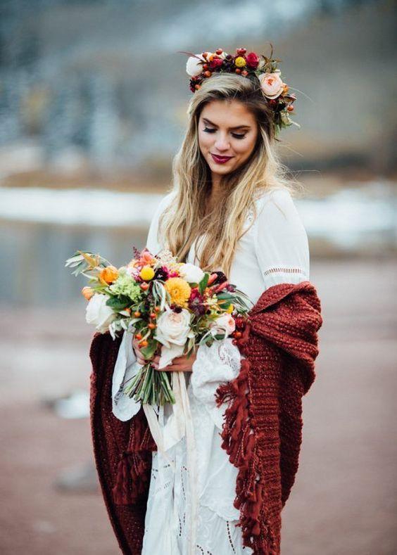 Shawl to stay warm wedding bride