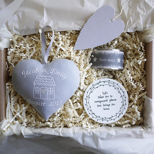 Personalised housewarming gift hamper