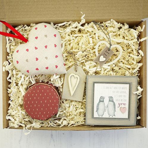 Linen anniversary personalised gift hamper