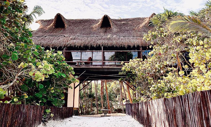 beach_view_master_sky_suite_main_cabanas