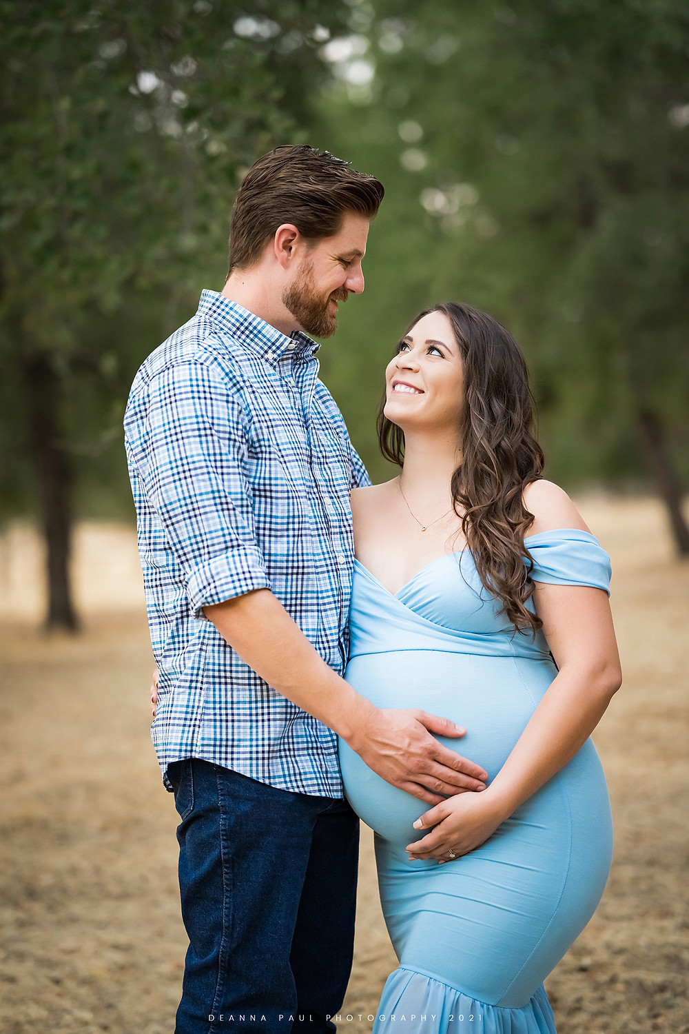 maternity session, blue gown, folsom park, pregnant