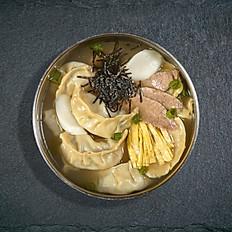 15. Rice Cake & Dumplings Soup