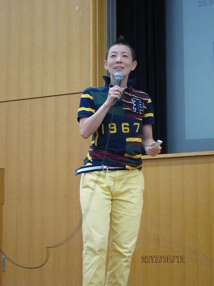 講演「女性のエイジングと運動」高尾美穂