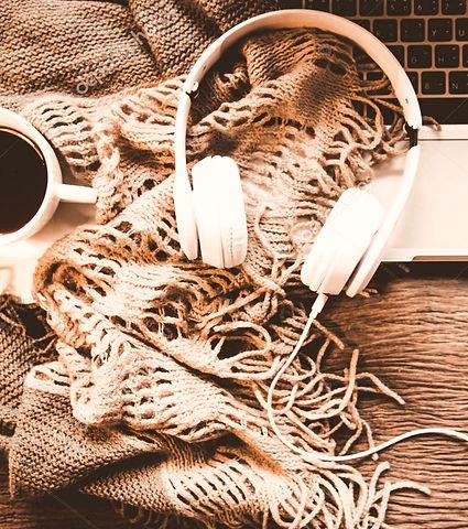 depositphotos_172429102-stock-photo-cozy