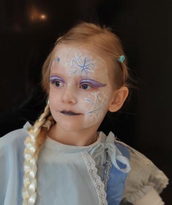 Kinderschminken: Eisprinzessin