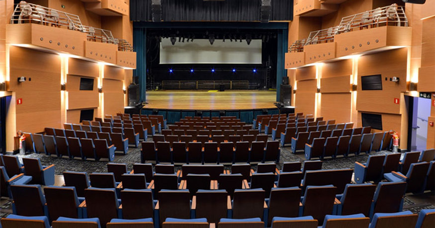 Teatro Porto Seguro e Torre A
