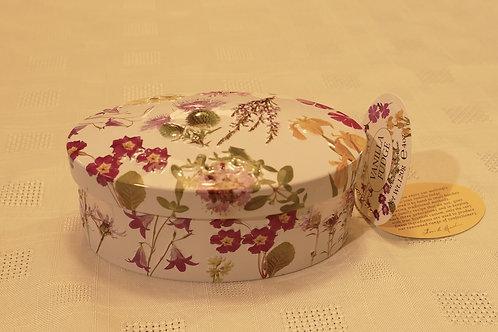 Floral Vanilla fudge gift tin 120g