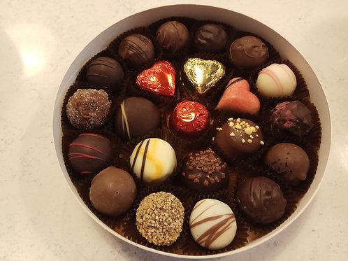 18cm Luxury Round box of Valentino chocolates