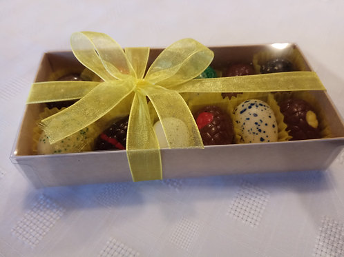 12  mini Easter eggs in clear box