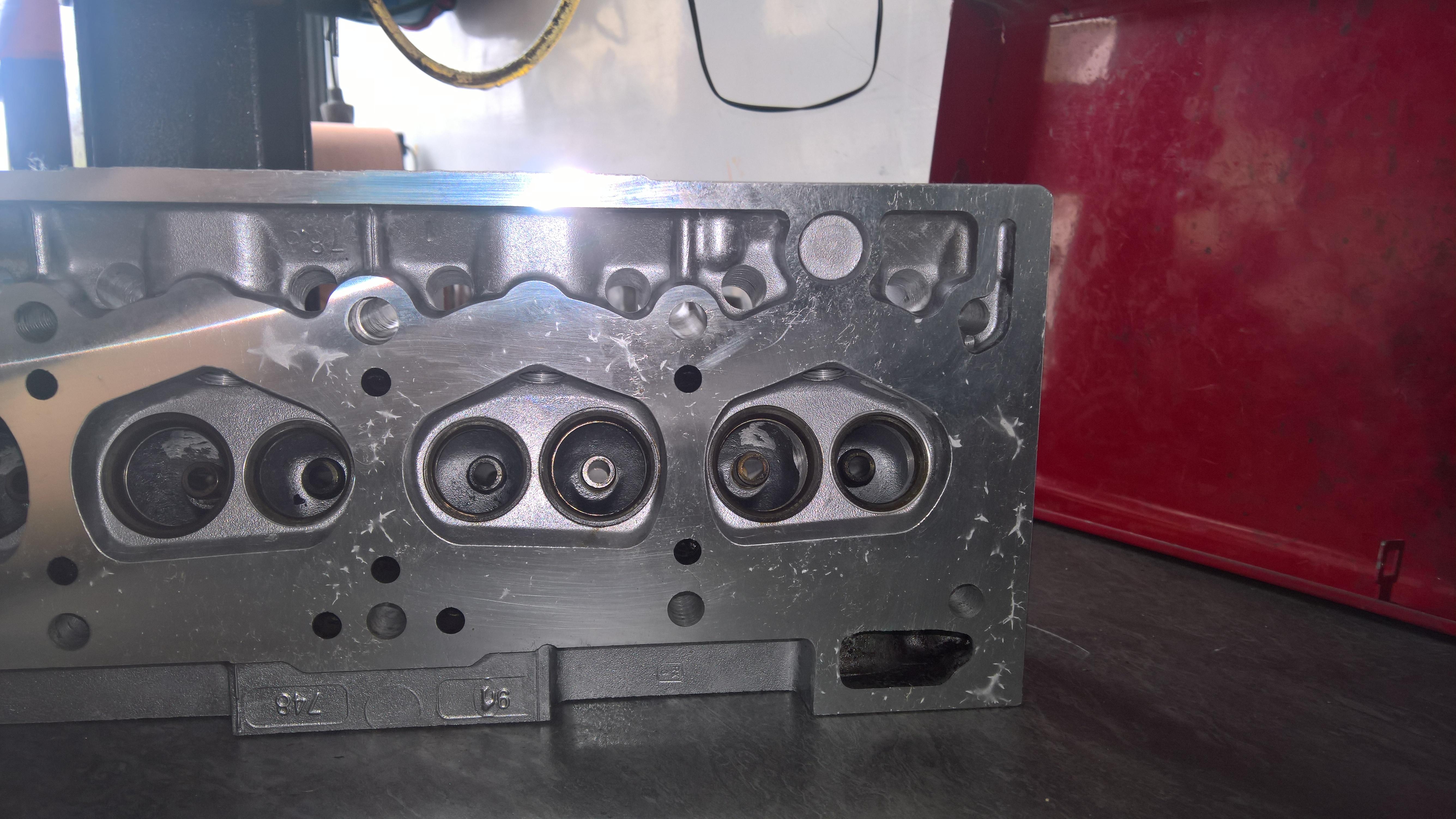 Moteur - Boite Renault 4L 956 cm 3 (108)