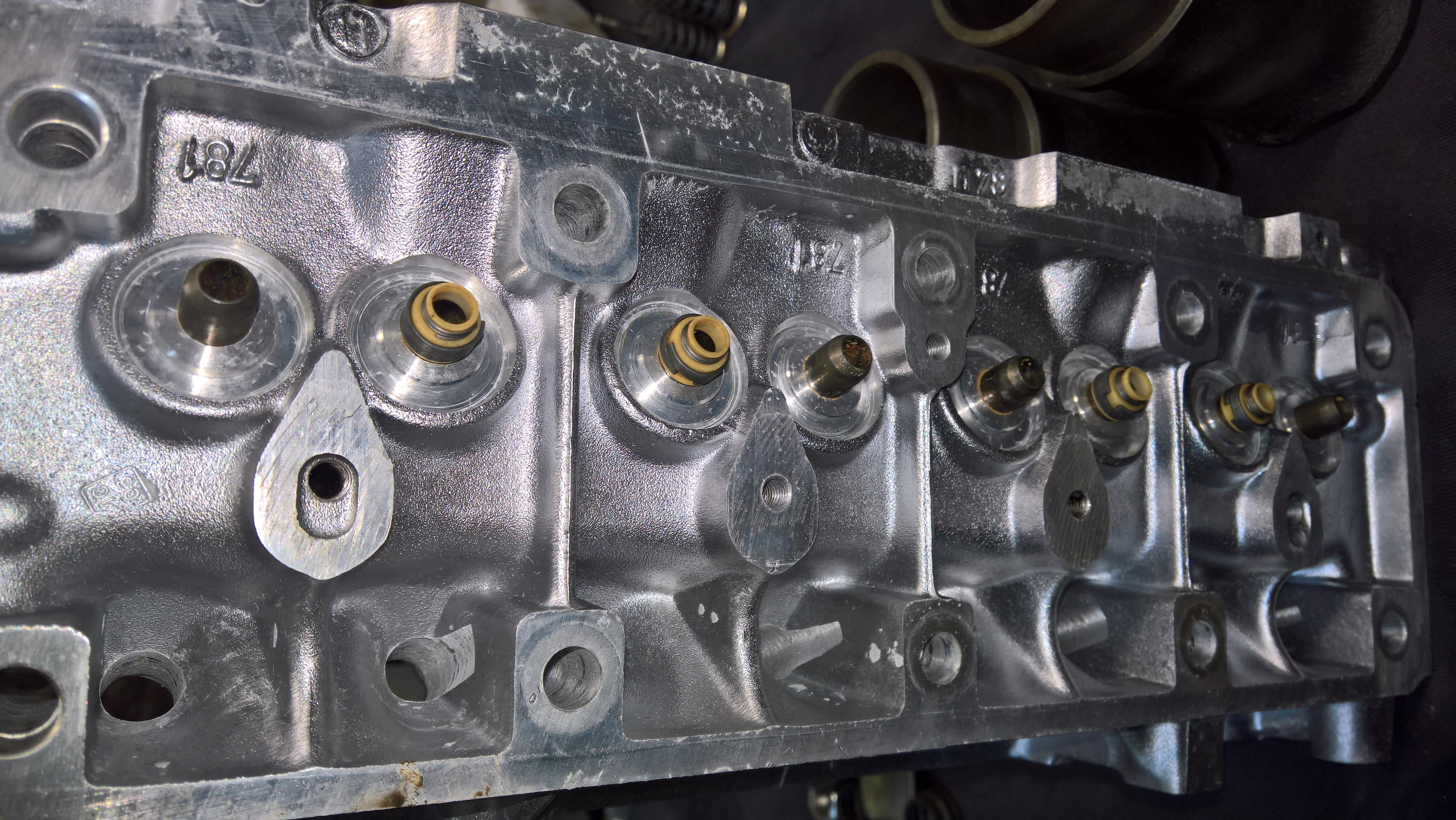 Moteur - Boite Renault 4L 956 cm 3 (110)