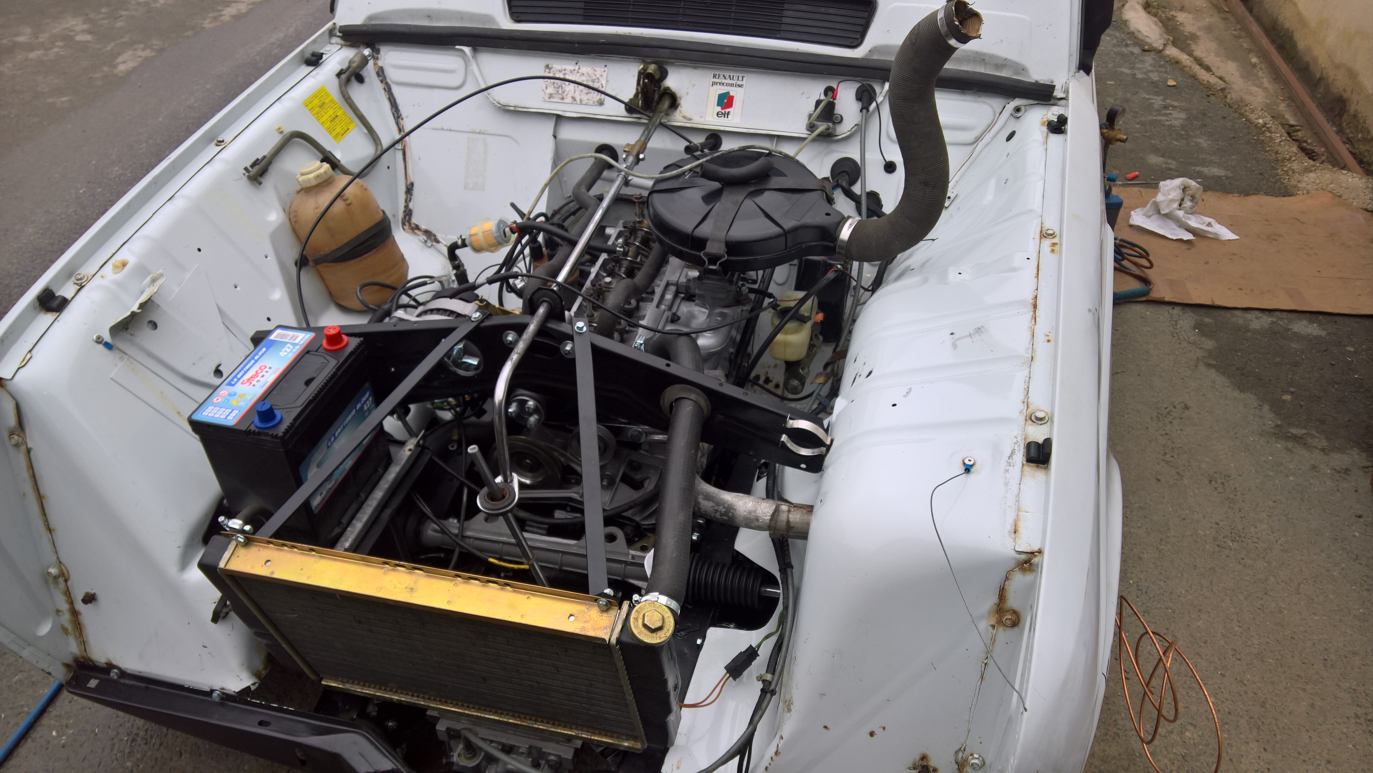 Moteur - Boite Renault 4L 956 cm 3 (143)