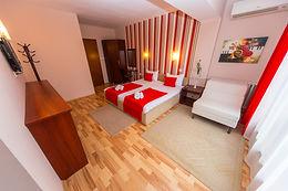 Hotel Pine-Skopje