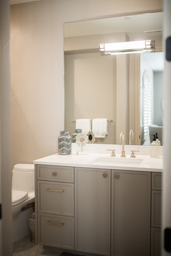 Project Meadow Place Contemporary - Guest Bathroom View 3