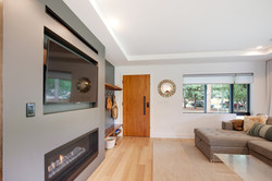 Project Hermosa Modern - Entry View 3