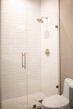 Project Meadow Place Contemporary - Guest Bathroom View 9