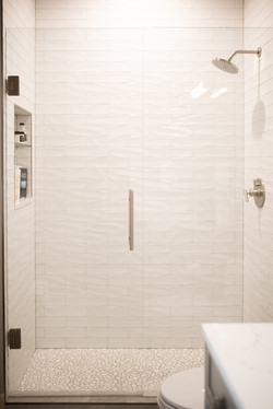 Project Meadow Place Contemporary - Guest Bathroom View 10