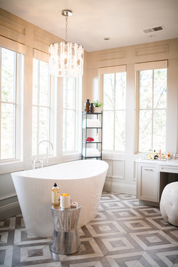 Project Meadow Place Contemporary - Master Bath View 3