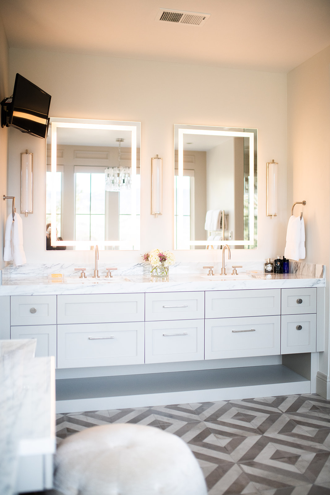 Project Meadows Place Contemporary - Master Bath View 6
