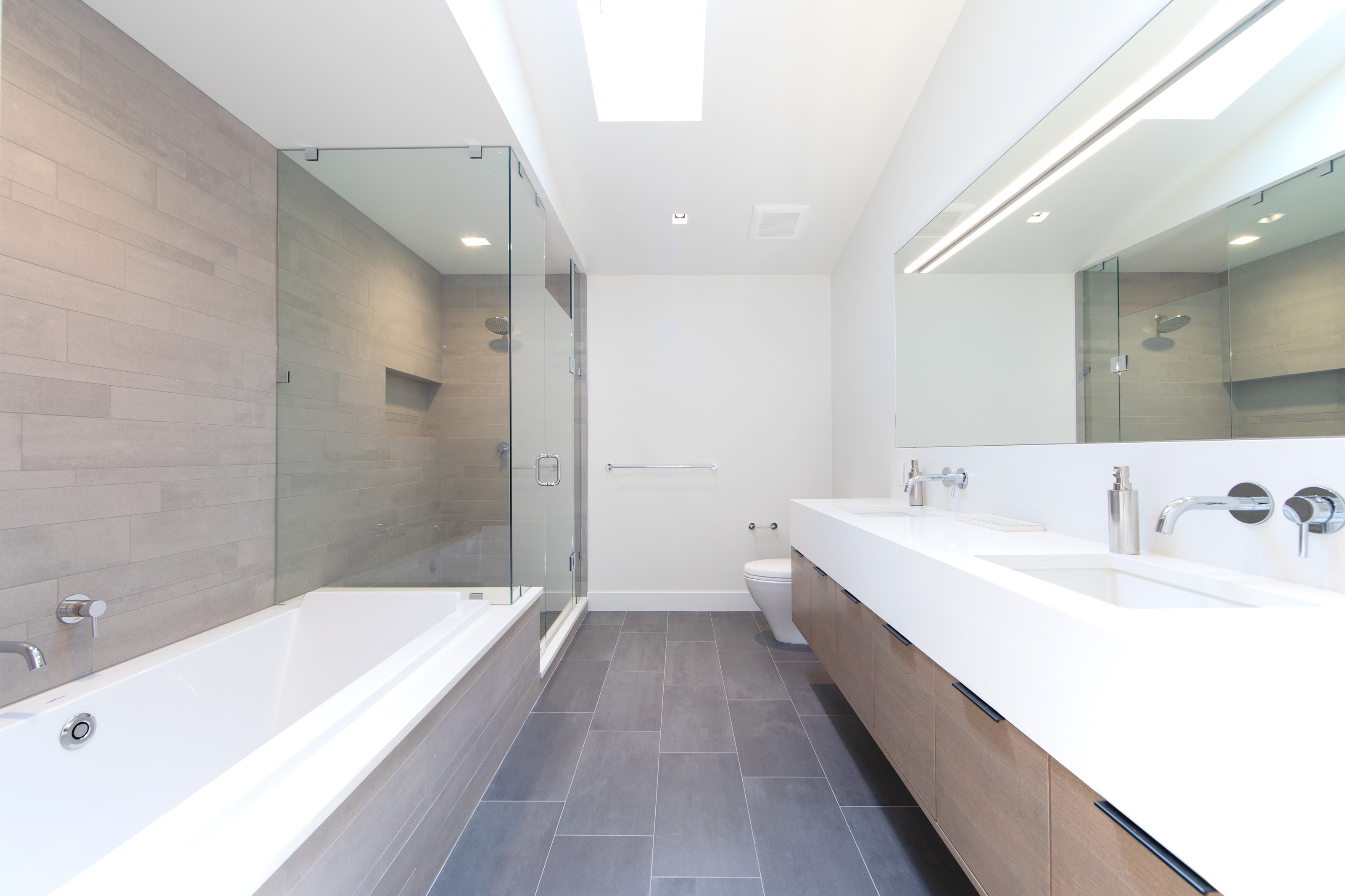 Project Utica Modern - Bathroom