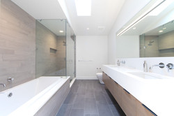Project Utica Modern - Bathroom