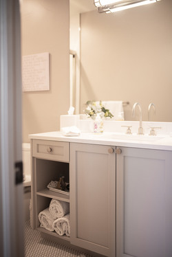 Project Meadow Place Contemporary - Guest Bathroom View 8