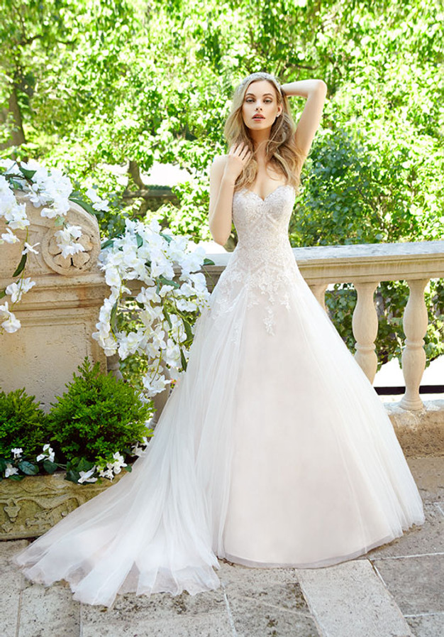 For A Wedding Gown That Captures The True Spirit Of Romance You Cant Go Wrong With This Gorgeous Dress
