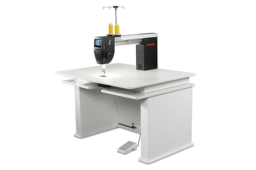 Bernina Q20 Sit-Down Model w Table (Koala)