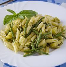 Pasta ai fagiolini e basilico
