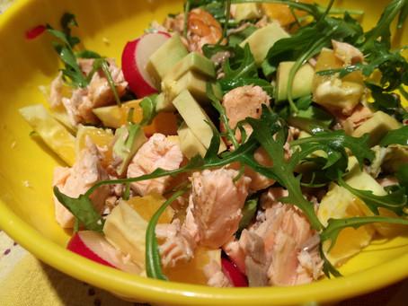 Tempo di zenzero:insalatona salmone, avocado, arancia, verdure e zenzero