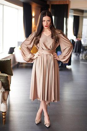 שמלת קיפלונים מבד קריסטל לייקרה בזהב